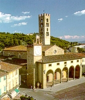 The splendid complex of church and castle Buondelmonti